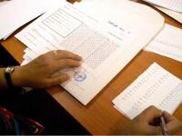 Viitori profesori, prinsi la examene cu trusa de copiat la titularizare