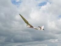 Impatimitii zborului s-au intrecut la Campionatul de Rachetomodelism