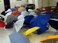 Licitatie de obiecte pierdute in trenuri: mobile, portofele, umbrele...