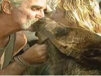 Ursi crescuti intr-o casa din Pantelimon, confiscati de Garda de Mediu