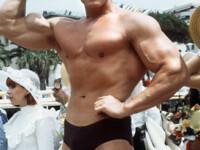 Arnold Schwarzenegger: Mama a crezut multa vreme ca sunt homosexual