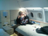 Rasfat a la Paris Hilton! Are pat in avion!