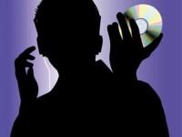 A descarcat ilegal melodii de pe net! Trebuie sa plateasca 1,5 mil dolari