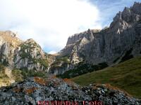 Muntele i-a invins. 2 bucuresteni, recuperati de salvamontisti de pe un traseu periculos din Bucegi
