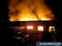 Incendiu urias langa gara din Drobeta Turnu Severin. Pericol de explozie. Trimite imagini