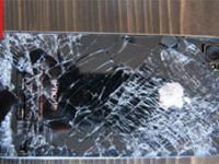 Rezultat surprinzator. Ce s-a ales de un iPhone 4 care a cazut de la 4.000 de metri