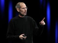 Un computer Apple-1, vandut personal de Steve Jobs in 1976, achizitionat pentru 365.000 de dolari