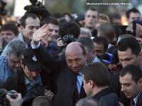 Traian Basescu a iesit din nou din plen, cand si-a inceput discursul Tariceanu.