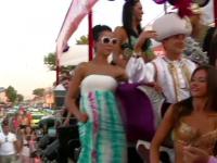 Parada carelor alegorice. Cum i-a distrat Mazare pe cei 150.000 de turisti de pe litoral