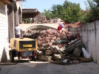 Un palat tiganesc de 300.000 de euro a fost demolat astazi de reprezentantii Primariei Timisoara