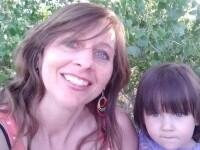 Cu cine a facut femeia acest copil. Dupa ce a postat pe Facebook fotografia a fost arestata