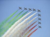Weekend plin de adrenalina la Cluj. Acrobatii cu avioane de lupta si salturi spectaculoase