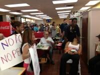 Protestul angajatilor de la McDonald's: