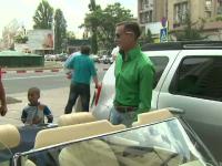Radu Mazare si-a facut reclama si si-a prezentat noua masina, in drum spre Curtea de Apel.