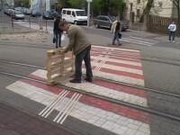 Metoda geniala prin care un tanar s-a deplasat gratuit pe sinele de tramvai, la Bratislava. VIDEO