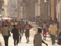 Statele Unite si Cuba restabilesc relatiile diplomatice si redeschid ambasadele. Embargo-ul ramane insa in vigoare