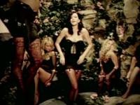 Katy Perry vrea sa cumpere o manastire cu 15 mil. de dolari, dar nu le convinge pe maicute. \