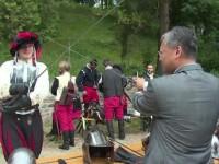 Festival medieval la Curtea de Arges. Ambasadorul Chinei n-a rezistat provocarii unui cavaler si a luat sabia in mana