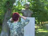 O statuie de 50.000 de lei din Targu-Jiu a devenit subiect de glume pentru localnici: