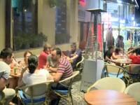 Turistii din Bucuresti, surprinsi de temperaturile ca in Africa. Terasele din Centrul Vechi au fost pline in timpul noptii