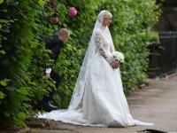 Una dintre cele mai fastuoase nunti din ultimii ani. Nicky Hilton s-a casatorit, dar a suferit un accident vestimentar major