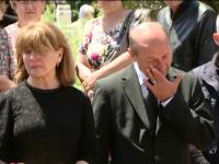 Socrul lui Traian Basescu, condus pe ultimul drum. Fiicele presedintelui au mers la Suceava pentru inmormantare