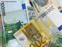 Leul a scăzut luni la un nivel record față de euro. Ce se va întâmpla în următoarea perioadă