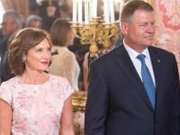 """Ziarul spaniol """"El Mundo"""": Klaus Iohannis si sotia lui formeaza un cuplu atipic pe scena politica"""