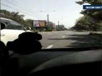 Un barbat sustine ca a fost lovit intentionat cu masina de fostul sau sef. Accidentul a fost filmat de camera de bord