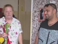 Taximetristul care a ajutat o clienta sa nasca in masina lui a vizitat-o pe femeie la spital. Ce propunere i-a facut