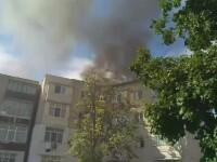 Incendiu violent in Botosani. Mansarda unui bloc cu 4 etaje a luat foc: 20 de persoane evacuate de urgenta