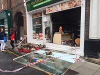 Efectul BREXIT: un magazin romanesc a fost incendiat intr-un oras din Anglia. Cum au reactionat vecinii