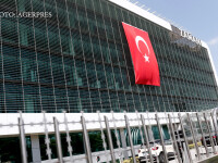 Masuri radicale in Turcia, dupa esecul loviturii de stat. Epurare in mass-media si vanatoare internationala de