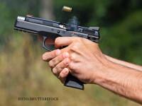 Focuri de arma intr-o comuna din Dolj. Trei persoane au murit, iar alte doua au fost ranite