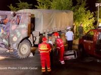Camionul militar care a fost implicat in accident, joi seara, a fost scos din rapa. Starea ranitilor