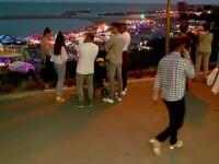 Festivalul de langa ... festival. Sute de oameni s-au bucurat gratis de muzica de la Neversea, pe plaja de langa concerte