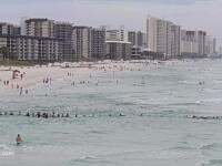Lant uman de 100 de metri, in Florida, pentru a salva de la inec un grup de persoane