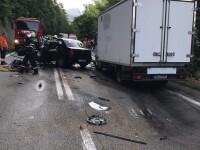Circulatie pe o singura banda pe DN7, dupa un accident. Carosabilul este acoperit cu motorina