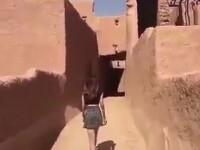 O tanara din Arabia Saudita risca sa fie arestata dupa ce a purtat