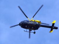 Un politist britanic a folosit elicopterul de serviciu ca sa-si filmeze prietenii din aer. Ce