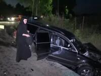 Patru raniti in Botosani, dupa ce o masina in care se aflau trei maicute nu a oprit la semnul Stop si a lovit un autoturism