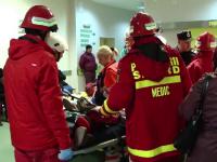 Femeie cuprinsă de flăcări după ce o sticlă de diluant i-a explodat în față
