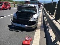 Accident grav după ce o șoferiță a întors pe autostrada, în Sibiu