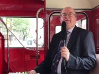 Ambasadorul Marii Britanii şi-a luat rămas-bun printr-o călătorie cu un double-decker