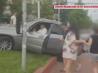 Un şofer de 65 de ani cu permisul suspendat a intrat în plin în pietonii care traversau