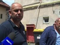 Fratele unui primar din Gorj spune că a fost agresat cu toporul de un vecin