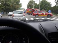 Jandarm în stare gravă la spital, după ce a fost lovit în plin pe trecerea de pietoni