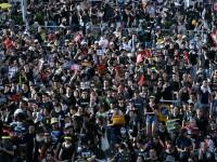 Manifestații în Hong Kong. Protestatarii au încercat să intre în Parlament