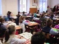Comisia de dialog vrea ca școala să înceapă în acest an pe 9 septembrie
