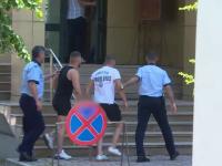Cei doi fraţi care au ucis un bărbat în bătaie, în Argeş, vor să fie judecaţi în libertate